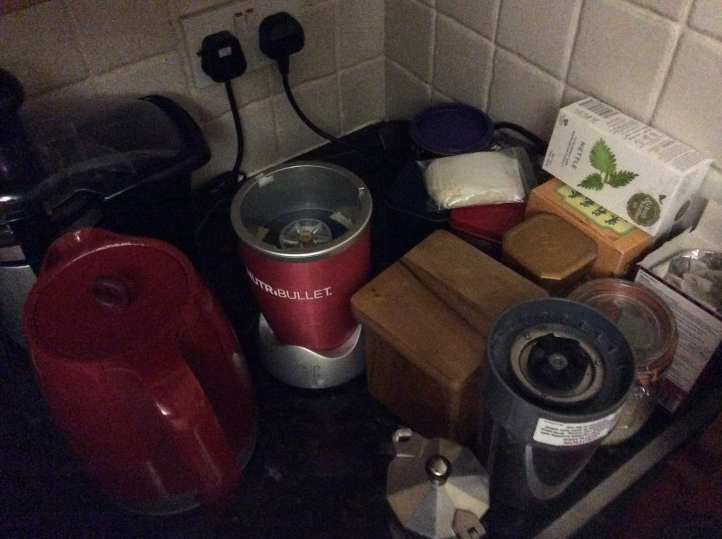 Notice the round shapes of Nutribullet and kettle